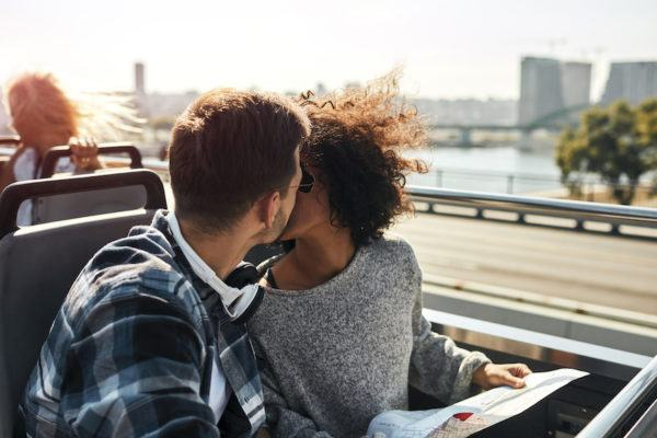 8 signs your relationship is really just a string of manipulative love bombs