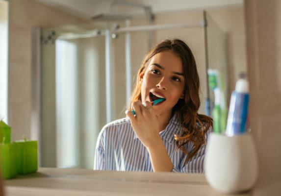 Here's what happens to your mouth when you don't change your toothbrush