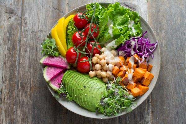 A dietitian's definitive guide to the best Trader Joe's salads