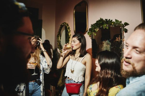 Do you love parties but hate being the center of attention? You might be a shy extrovert—here's how to deal
