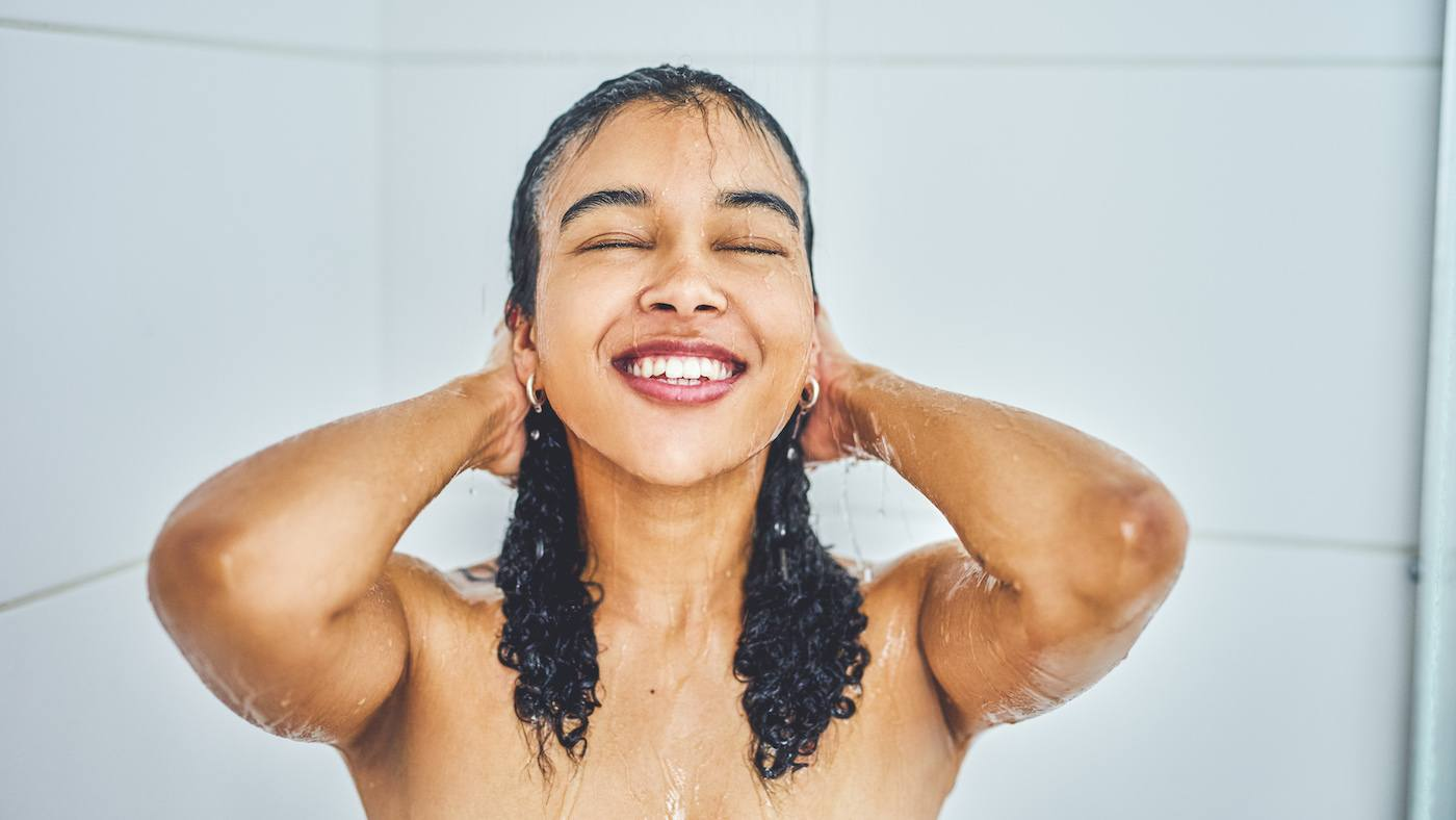 Derms say these super-common shower mistakes are the reason skin gets so dry