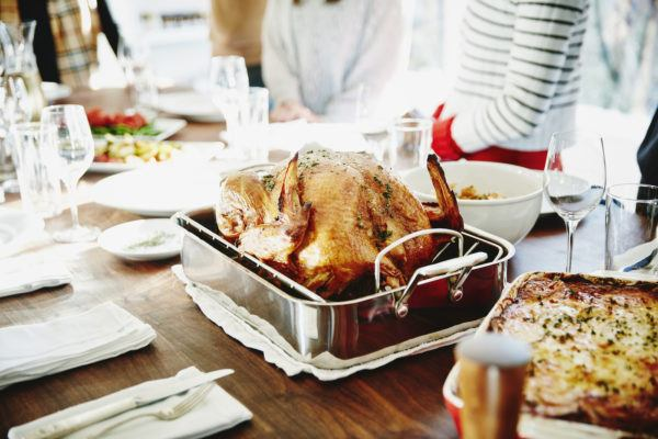 This is the best time to eat your Thanksgiving meal, according to a dietitian