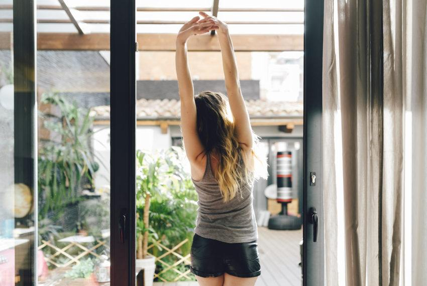 I'm a masseuse, and this is the one at-home move that relieves a...