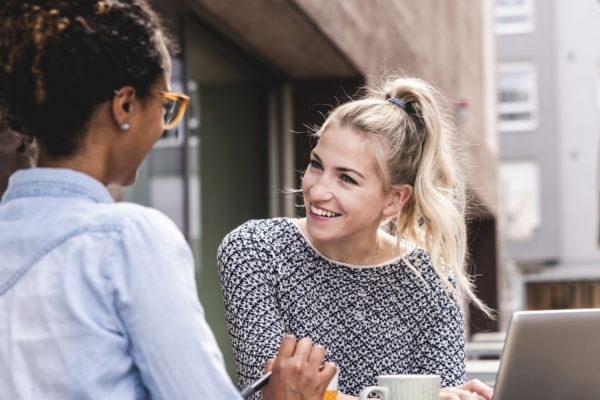 4 signs your witty banter is actually platonic negging