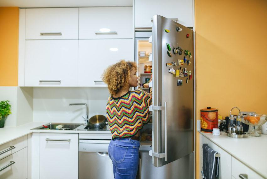 4 foods for good digestion a dietitian always keeps in the fridge for $7...