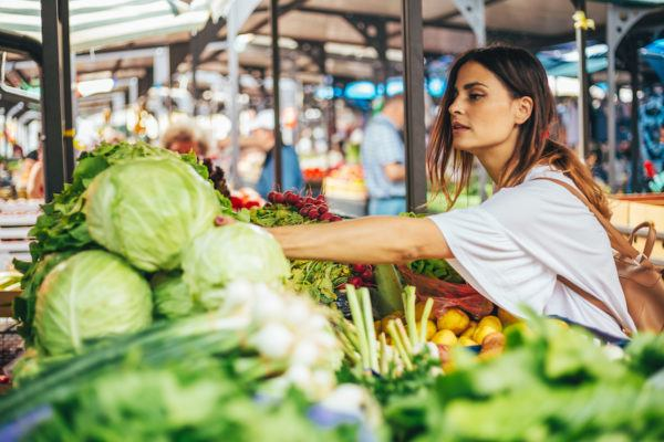 Confused about what it means to eat for the environment? Here's how 4 sustainability experts grocery shop