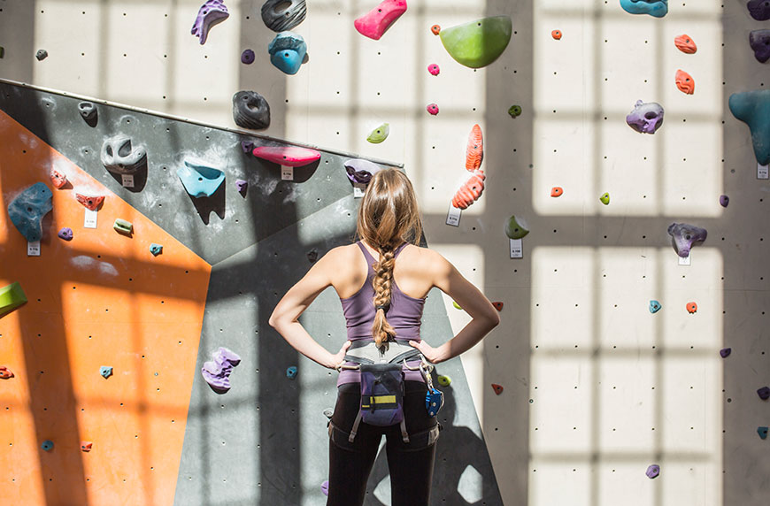 The 5 upper-body stretches a rock climber does every single day