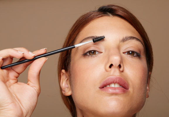 Get bushy brows in 1 minute flat, courtesy of the brow king himself