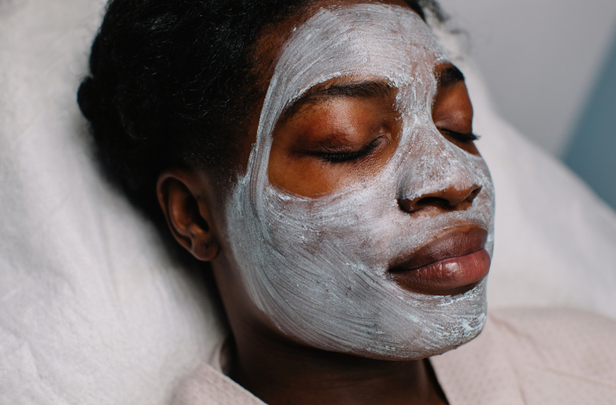 Combine these two anti-inflammatory herbs to make the world's most soothing face mask