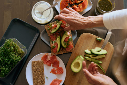 New research strengthens the connection between the Mediterranean diet and longevity