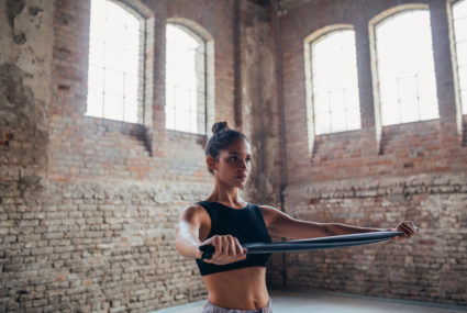 The 5 best strength-training moves to help you sit up straighter, according to a physical therapist