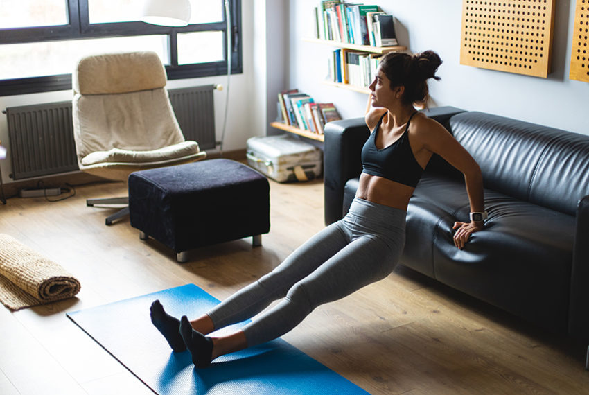 I'm a trainer, and this is how I'm staying fit at home without any equipment