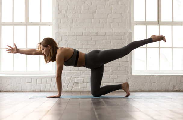 Just need to move? This 20-minute glute and core workout is like a Megaformer class at home
