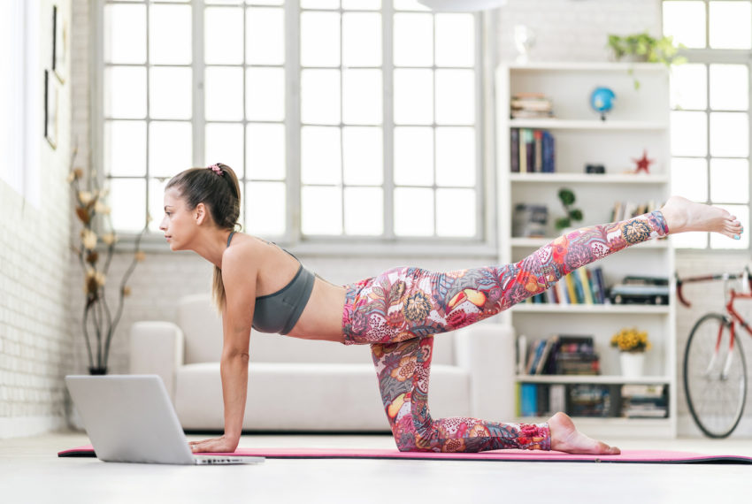 This 10-minute, equipment-free Pilates workout seriously combats couch butt