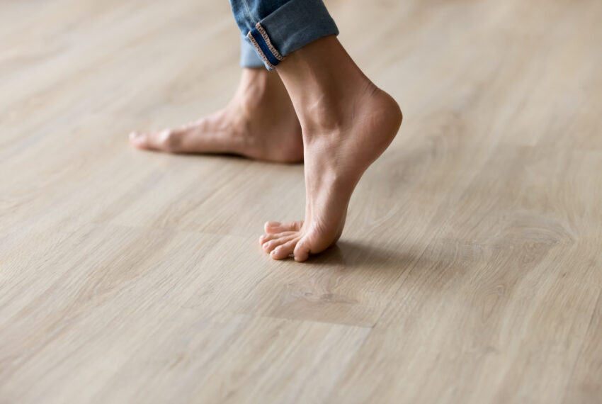 6 Steps to Master Indoor Meditative Walking, Because Being Mindful While Stuck Inside Isn't so Simple