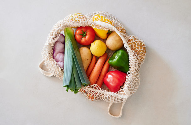The sturdy fruits and vegetables that'll stay good in your fridge for up to 3 months