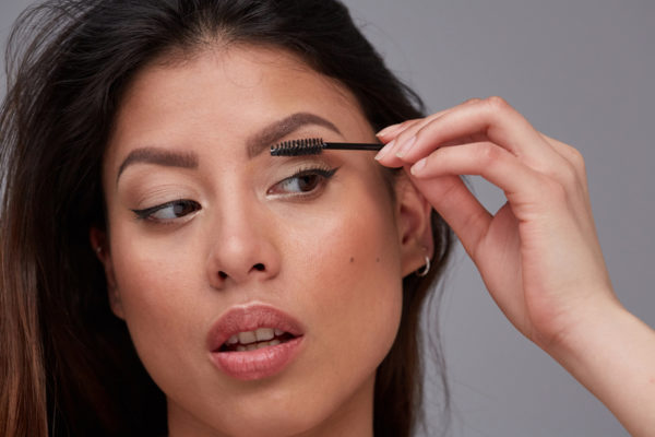 This Is the Most-Commented on Brows Thread on Reddit—Here's How to Replicate the Look