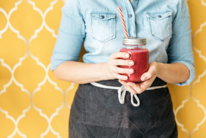 Want to Give Your Brain *and* Immune System a Boost? Sip on Pomegranate Juice