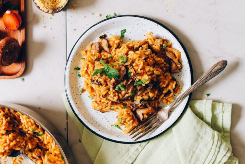 7 delicious, healthy ways to cook with shiitake mushrooms tonight