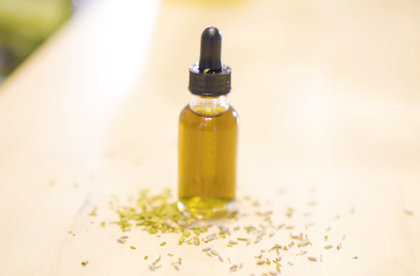 Keep stress at bay with this DIY soothing tincture