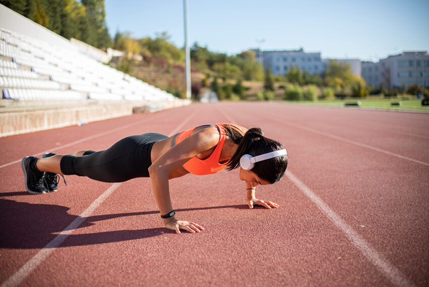 This no-equipment 4-minute max rep workout burns so good