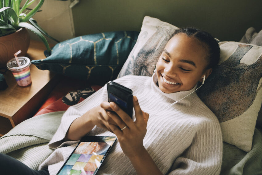 Therapy via text is the new virtual therapy—here's what to expect