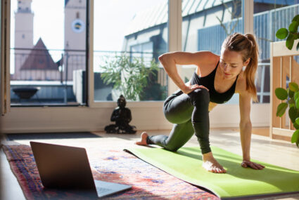 3 things a good at-home workout should always have, according to a longevity trainer