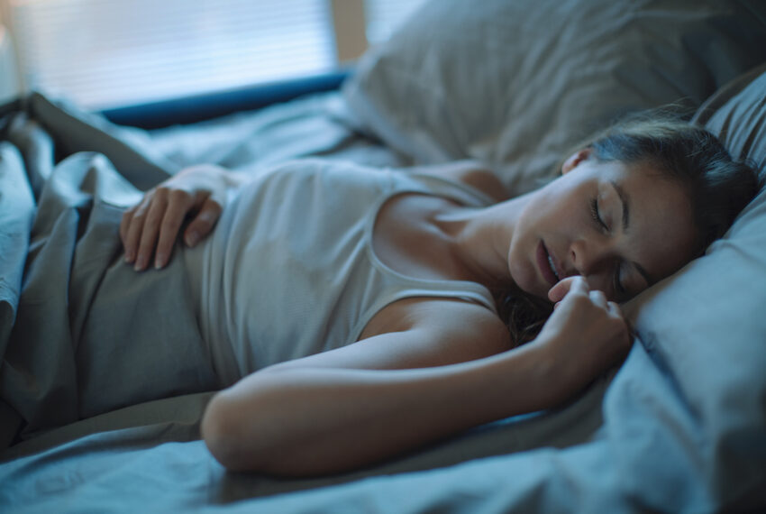 How to Stop Your Coronavirus Nightmares From Stealing Your Dreams, According to a Sleep Doctor