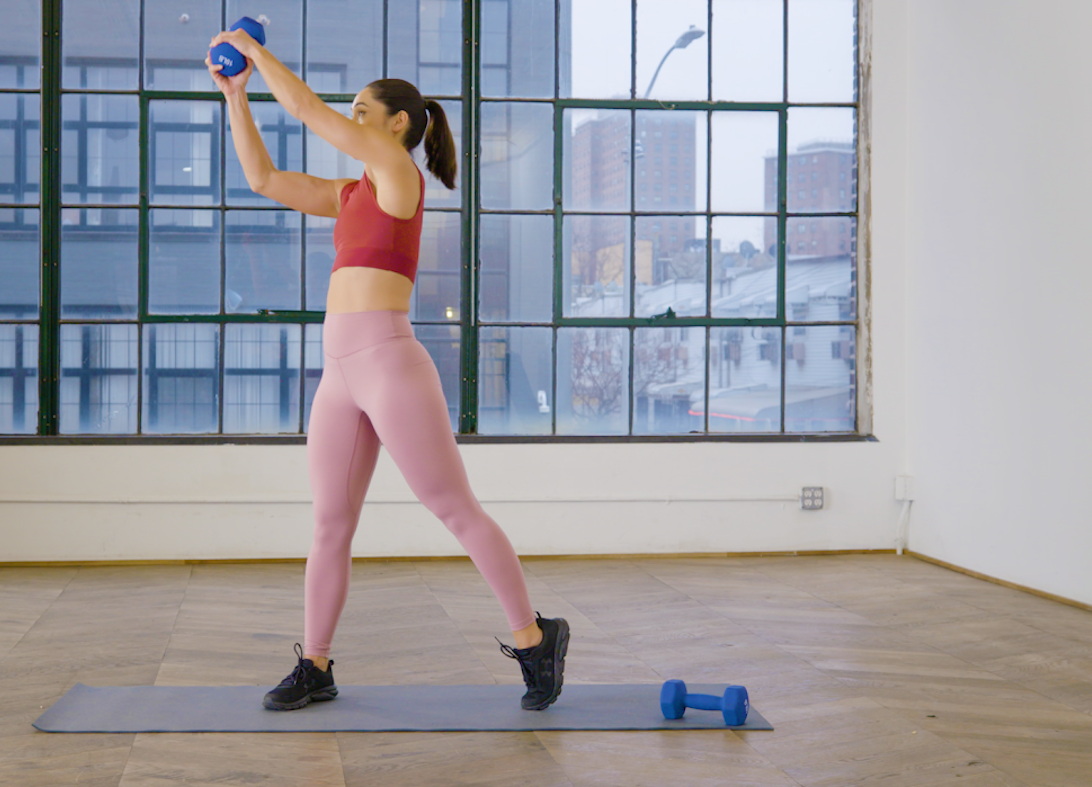 How to do a dumbbell woodchop that will light your abs on fire | Well+Good