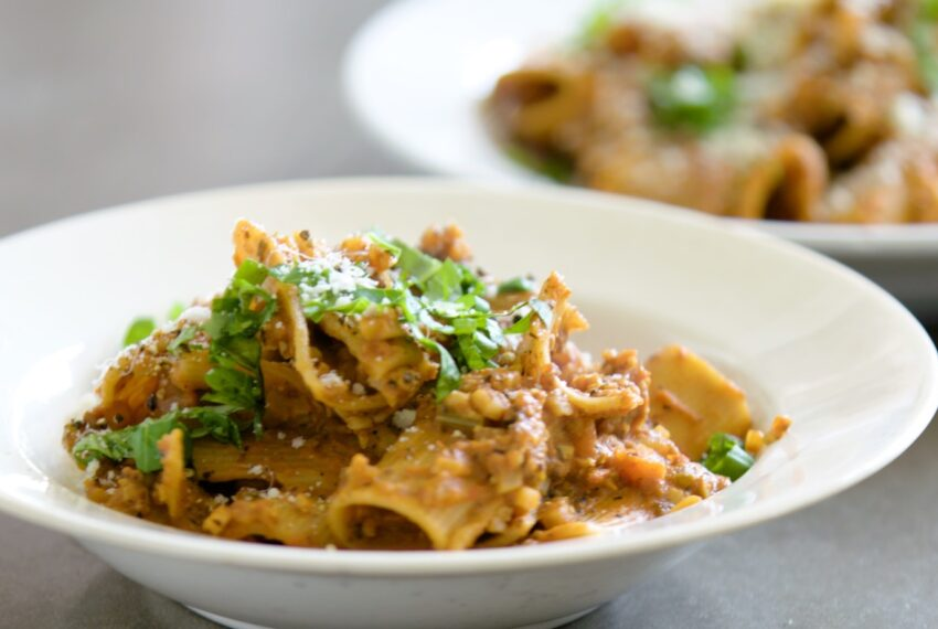 Combine these 2 veggies to make a healthy (and convincing) vegetarian bolognese sauce