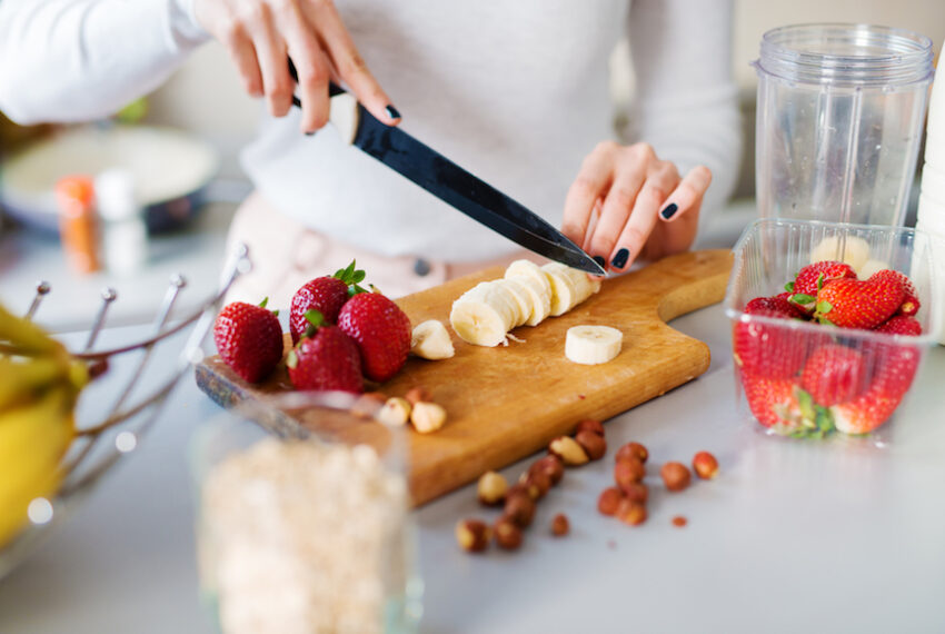 A dietitian shares the 3-step formula for building the perfect healthy snack