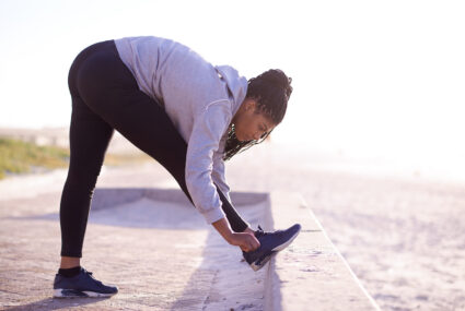 Stretch Pros Are Begging You To Never, Ever Do Ballistic Stretches—Here's Why