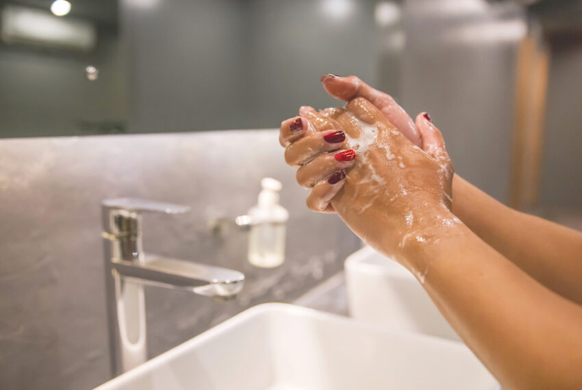 4 Precautions To Take If You Need To Use a Public Bathroom Right Now