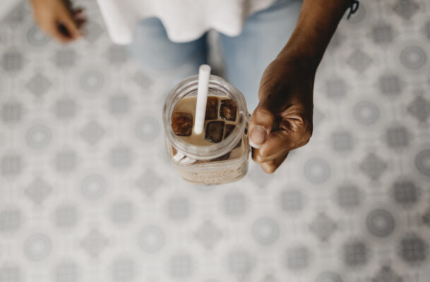 How To Make Coffee Kombucha, the Gut-Friendly Way To Enjoy Caffeine