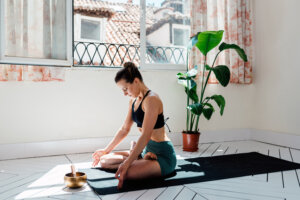 Let Your Stress Melt Away Completely With This 30-Minute Yoga Flow