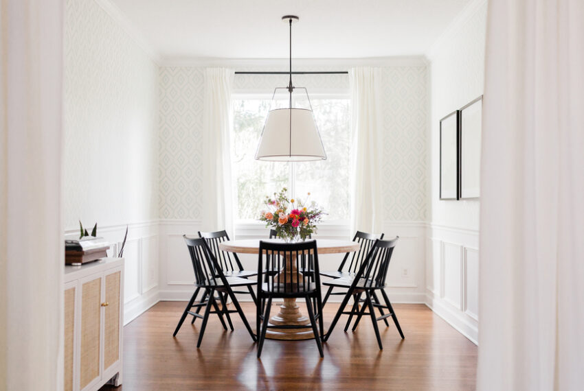 7 Small Dining Room Ideas That'll Convince You To Stop Eating Dinner in Front of Netflix