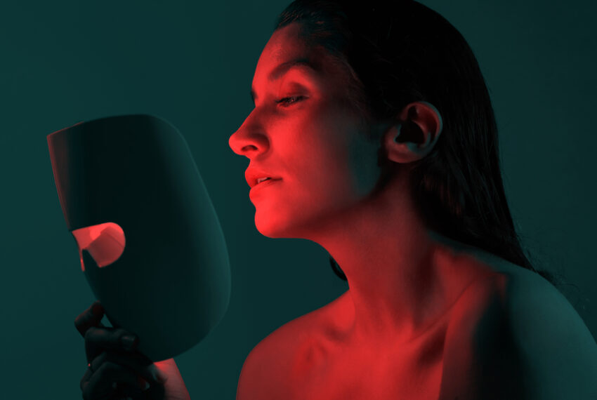 The Collagen-Boosting, Acne-Fighting Red Light Therapy Benefits Are Beyond Belief