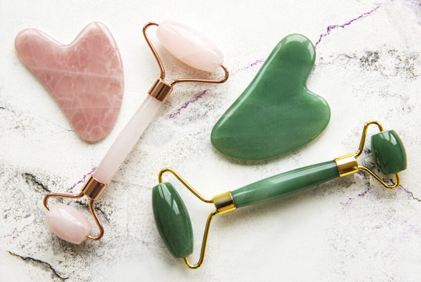 Pros Agree That Jade Roller Benefits Go Far Beyond De-Puffing Your Face