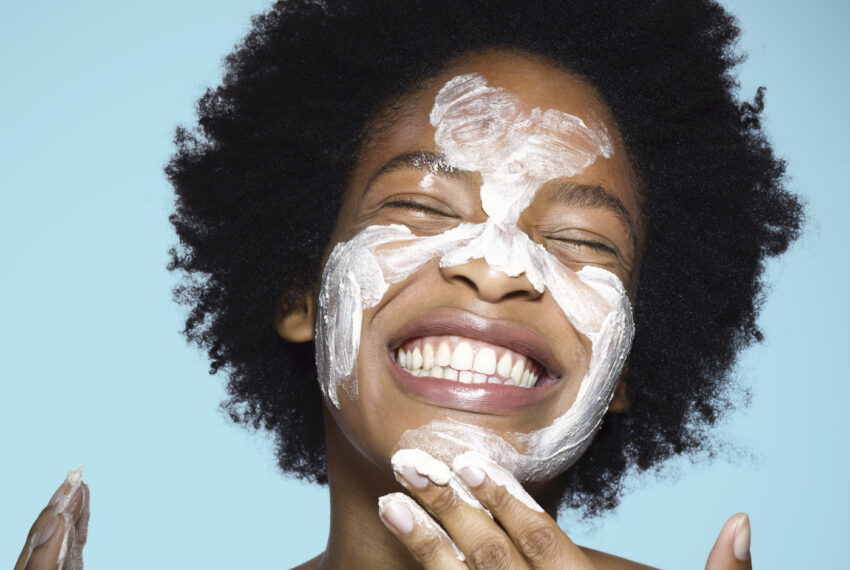 Exactly How to Choose an Acne-Friendly Cleanser to Fight Every Type of Breakout, According to Derms