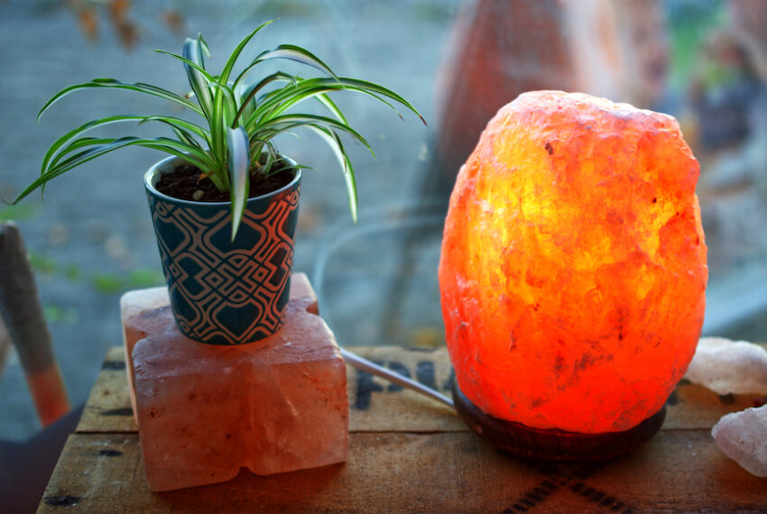 A Deep Look Into 4 Salt Lamps Benefits—and Whether They're Legitimate