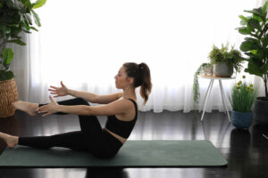 This Pilates Workout Strengthens Your Lower Abs in 11 Minutes