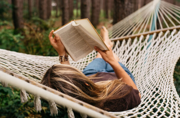 7 Chiropractor-Approved Hammocks That'll Give You Beach-Reading Vibes From Home