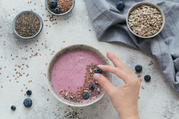 The Gut-Healthy Smoothie Bowl a G.I. Doc Recommends for an Easy Summer Breakfast