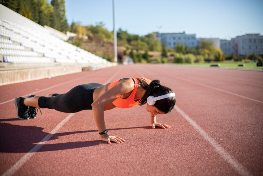 The Iranian Half-Moon Push-Up Hits Your Core Muscles the Hardest