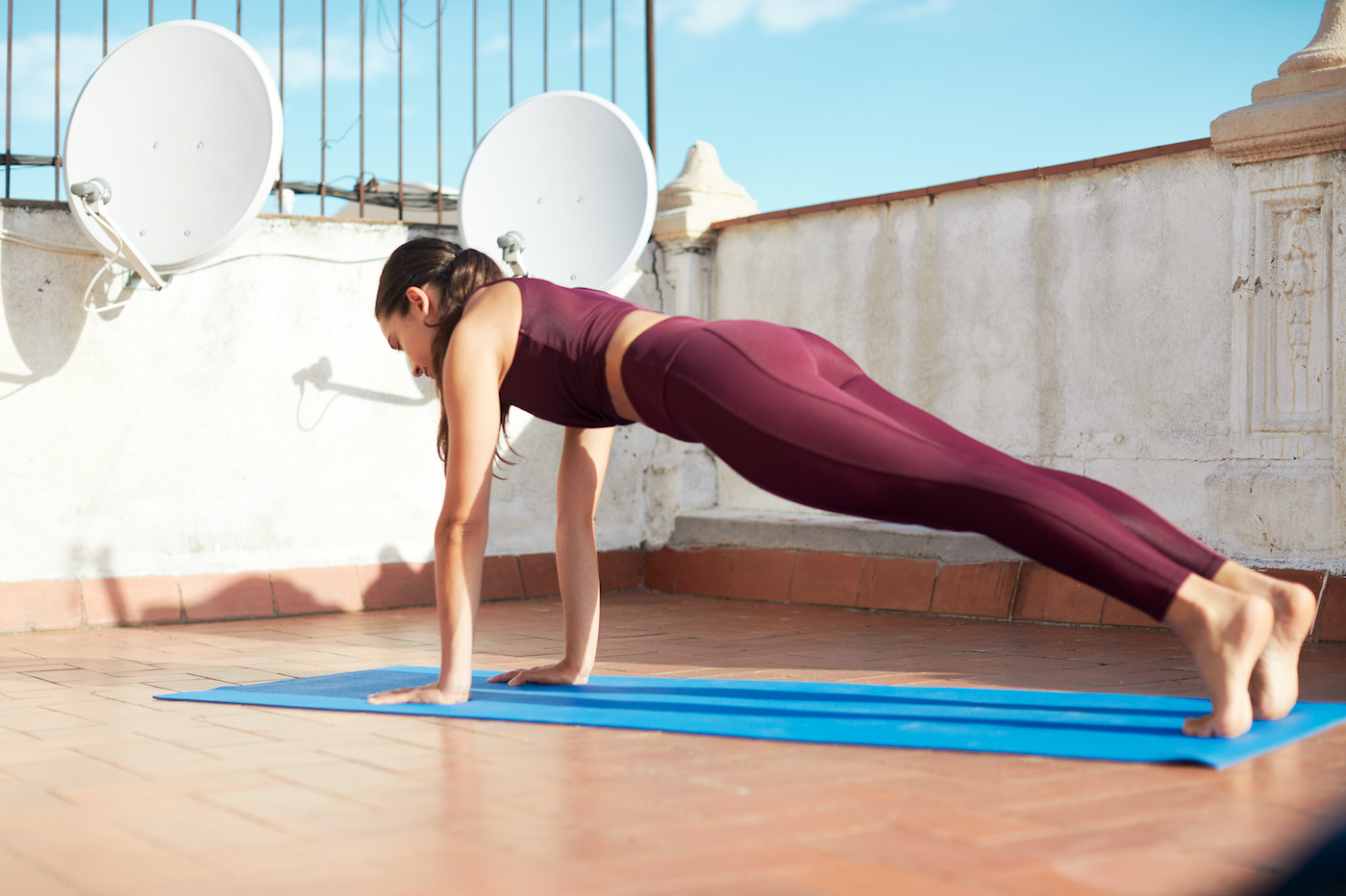 These 6 Moves Are All You Need To Work 360 Degrees of Your Core