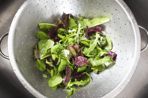 Say So Long to Soggy Lettuce Forever with This Simple RD-Approved Tip