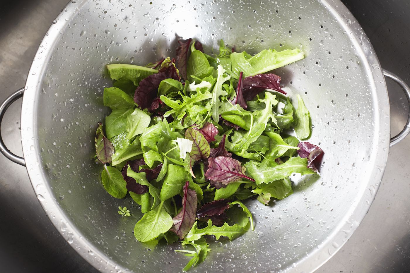 Thumbnail for Say So Long to Soggy Lettuce Forever with This Simple RD-Approved Tip