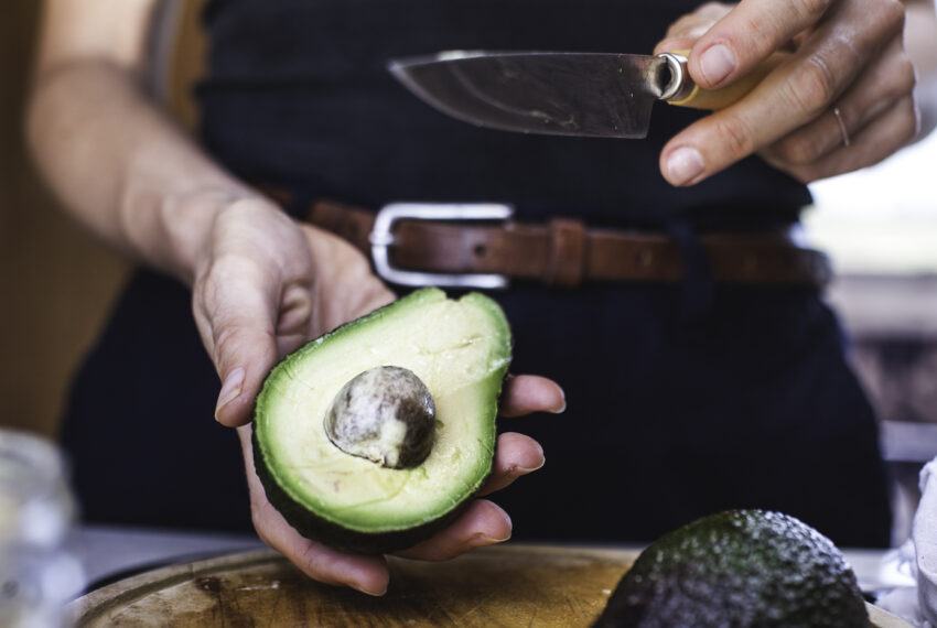 You Only Need One Ingredient To Keep Your Avocado Fresh for Later