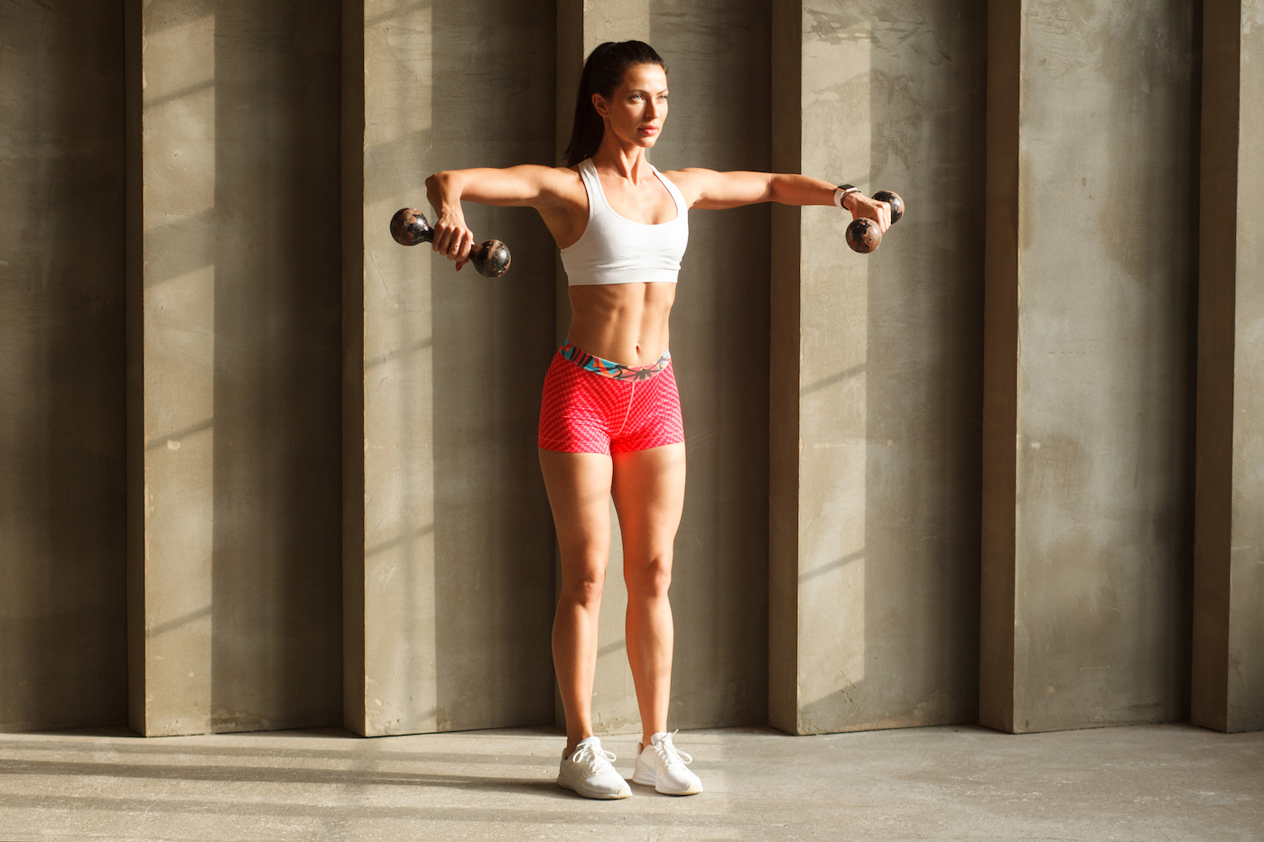 Thumbnail for Upright Rows Are the Back- and Shoulder-Strengthening Move Missing From Your Workout