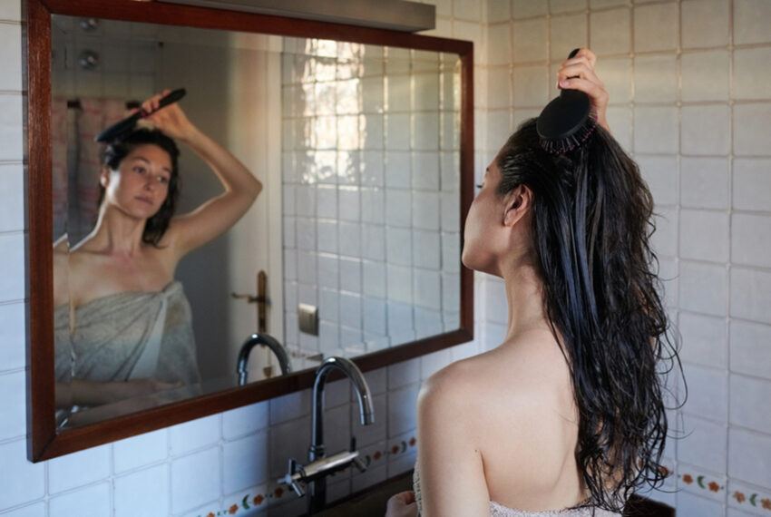 This Is How To Prevent Sweating Right After a Shower
